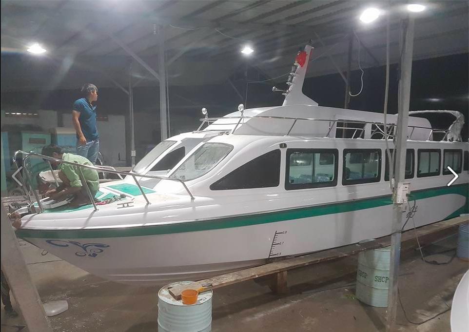 SX tàu du lịch bằng composite