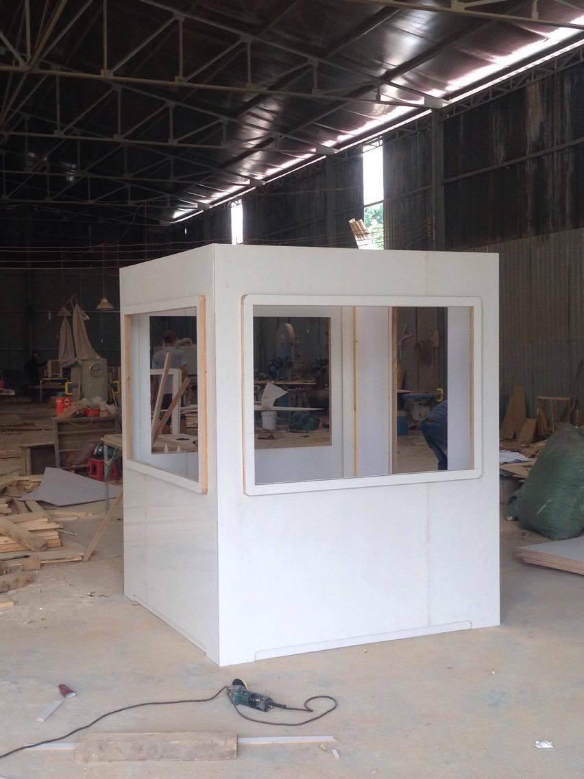 Mô hình thân chốt gác 1,7m được làm bằng gỗ