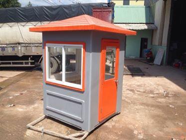 Cabin bảo vệ 1,5m mái nhọn màu cam