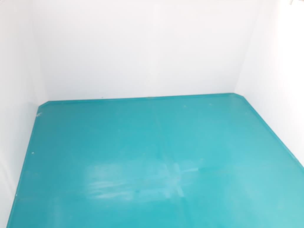 Sàn nhà bảo vệ được đúc liền với tấm ốp tường bằng composite cao cấp