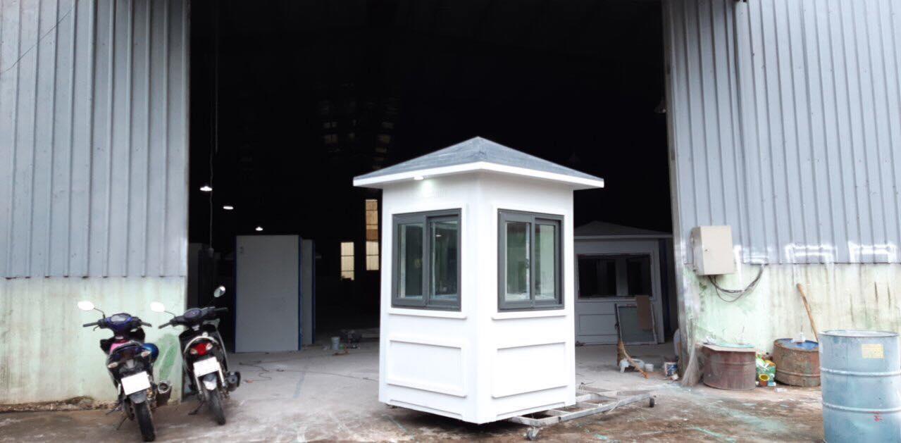 Cabin bảo vệ bằng composite kích thước 1.35x1.35m